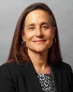 Portrait photo of Jeni Arndt